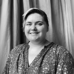 Robyn Bidgood headshot in black and white
